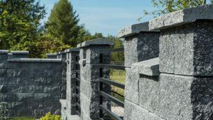 murek ogrodzeniowy z kamienia