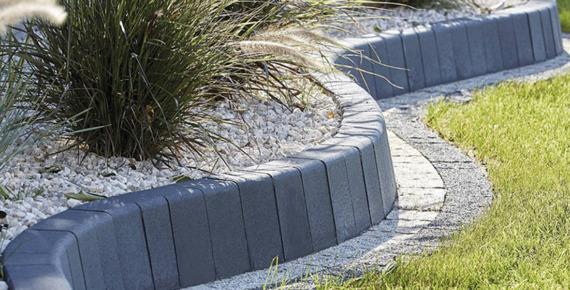 grafitowa palisada ogrodowa