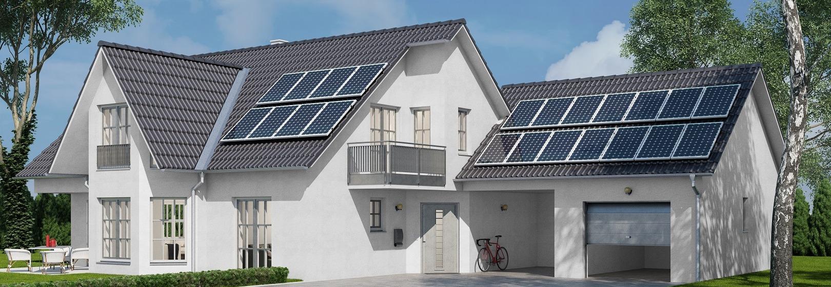 dom jednorodzinny z instalacją fotowoltaiczną na dachu